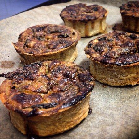 Rutland Arms: Mushroom and smoked cheese tarts