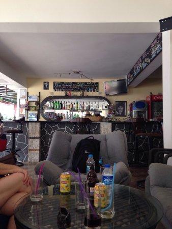 Shades Restaurant Cafe and Bar: photo0.jpg
