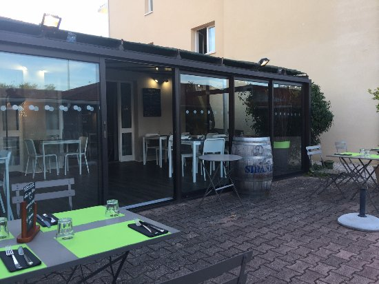 Blagnac, Fransa: The outside terrace