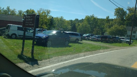 Brecksville, OH: Never any parking spots available