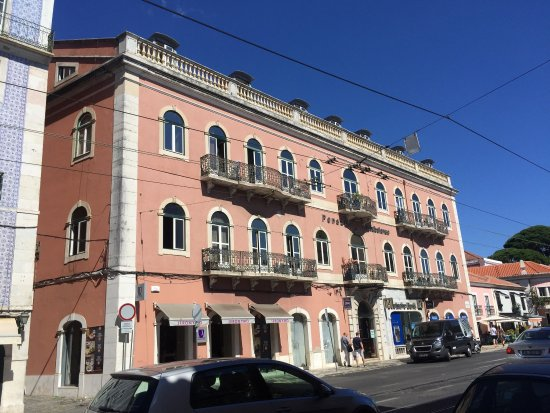 Pensao Residencial Setubalense: Pretty, traditional building and nice view from rooms