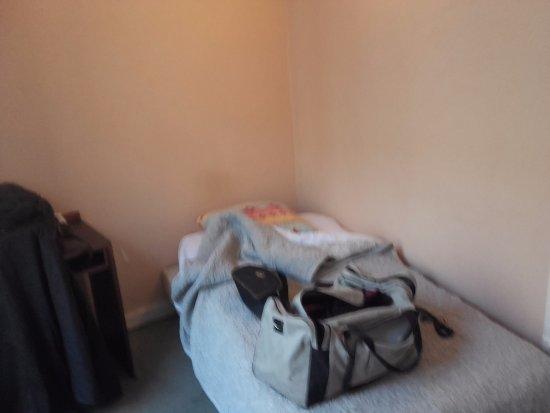 Hotel Saint Pierre: des mon arrivée lit meme pas fait