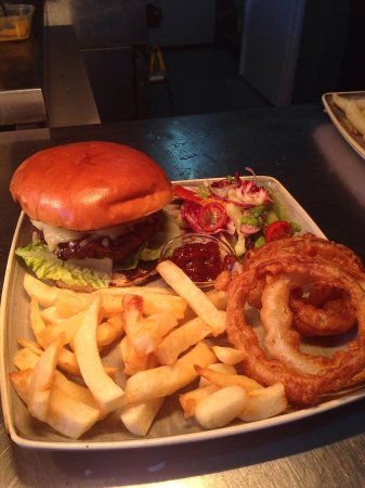 Alderley Edge, UK: 'Monkey' Burger