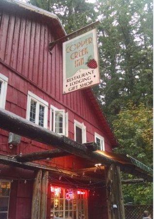 Ashford, WA: The welcome Inn sign