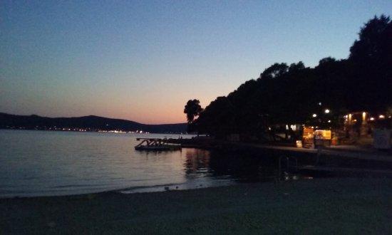 Biograd Na Moru, Kroatien: tramonto sulla spiaggia