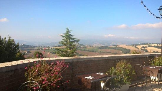 Serrungarina, Italia: Colazione felice