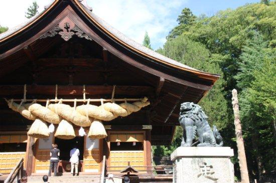 Shimosuwa-machi, Jepang: 大注連縄が見事です