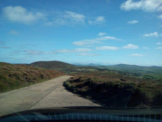 Aberdaron, UK: The road back down