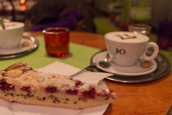 Garching bei Munchen, Alemania: Streuselkuchen & Cappuchino