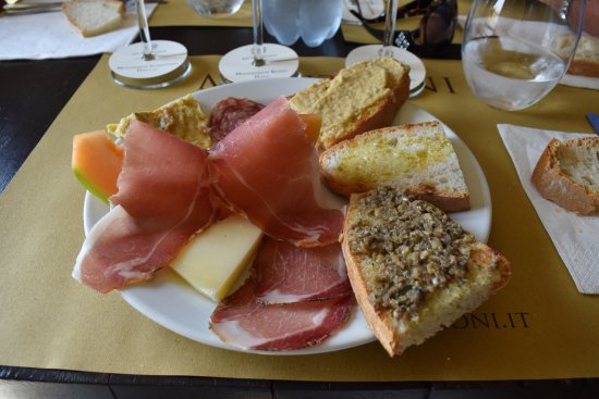 Montefalco, Italië: A light lunch - very tasty!