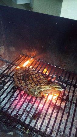 Meaford, Canada: Wood Fire Roasted Prime Rib