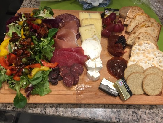 Perth and Kinross, UK: Sharing cheese and charcuterie platter