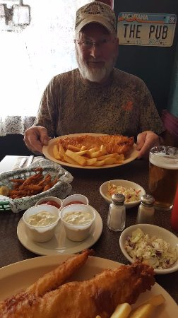 Victor, มอนแทนา: Great Cod-Fish and chips + Clams and a Harp...Outstanding!