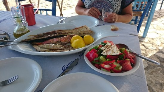 Moutsouna, Grecia: Food