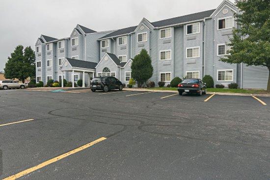 Motel 6 Sycamore