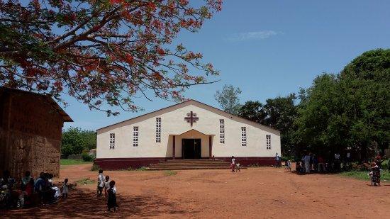 Ouham Prefecture, República Centro Africana: Bouca ville church