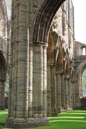 Чепстоу, UK: Tintern Abbey