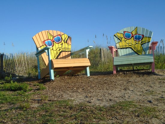 Ocean Lakes Family Campground: over-sized chairs