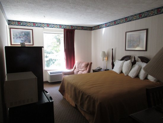 Clayton, GA: room is larger than it looks