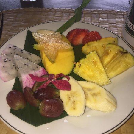Holualoa, Hawái: frische Früchte zum Frühstück