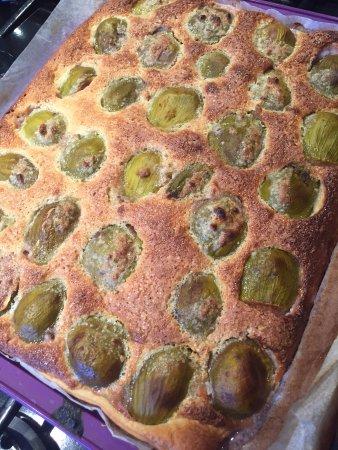 Baden, France : tarte aux figues du jardin, à moins que vous  souhaitez des crêpes ou galettes