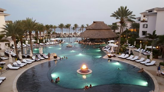 Cabo Azul Resort: Three great pools with a ton of lounge chairs and a never ending supply of towels.