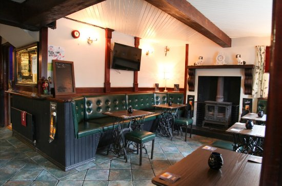 Antrim, UK: Front Bar Fire