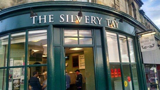 Newport-on-Tay, UK: Silvery Tay