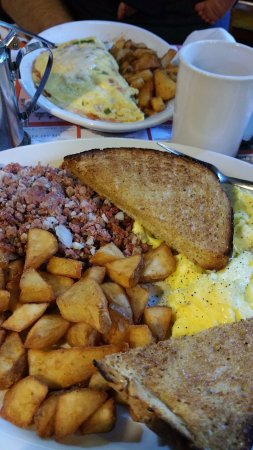 Mason, NH: Parkers Breakfast, mexican omlette and mini special with corn beef hash
