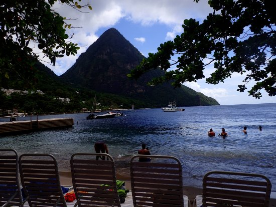 Vieux Fort, Sta. Lucía: Piton from Jalousie Beach