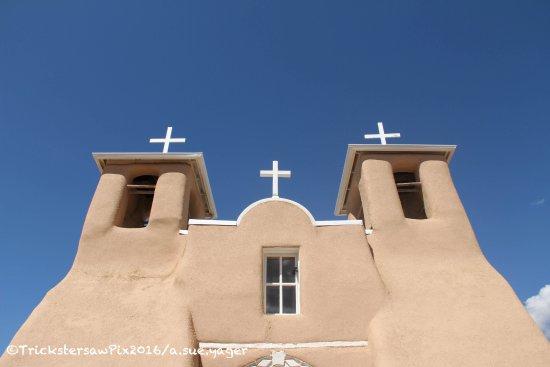 Ranchos De Taos, NM: Towards the heavens