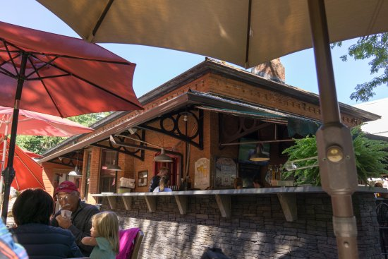 Cold Spring, Нью-Йорк: Back of Restaurant