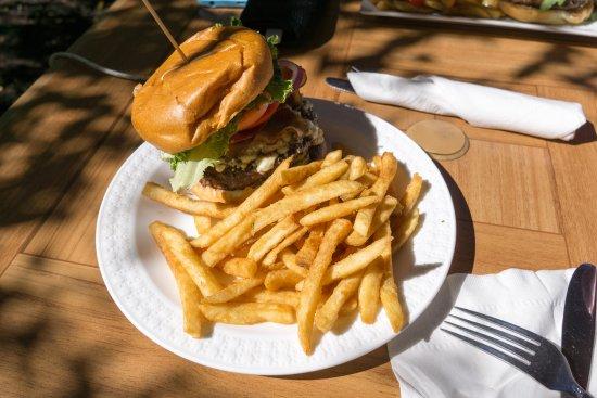 Cold Spring, Нью-Йорк: Blackened Blue Bacon Burger