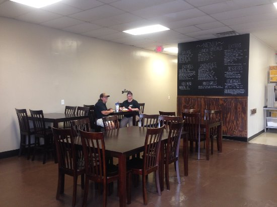Warner Robins, GA: We have a new spacious dining room for large groups!