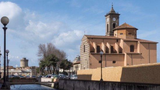 Chiesa di San Ferdinando: Il corpo della chiesa