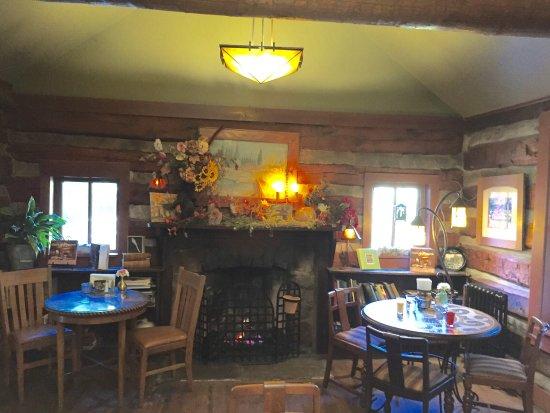 Highland Haven Creekside Inn: photo1.jpg