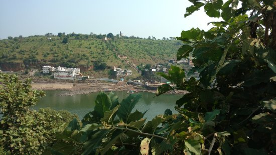 narmada resort you could manage to catch a glimpse of the river