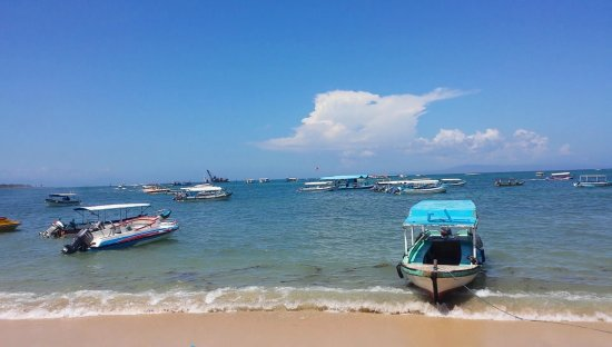 Tanjung Benoa, Indonesia: So many boats
