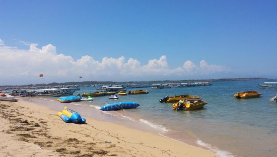 Tanjung Benoa, Indonesia: Watersports as far the eye can see!
