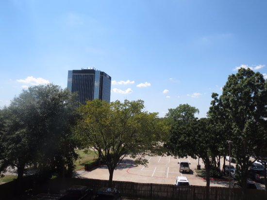 Courtyard Dallas Arlington/Entertainment District: from 3rd floor corner room