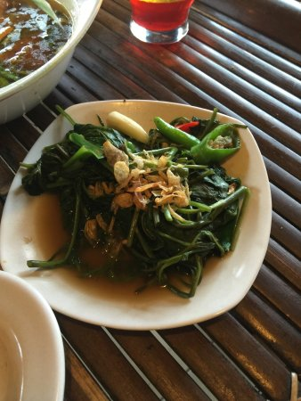 Lunch at saung gawir