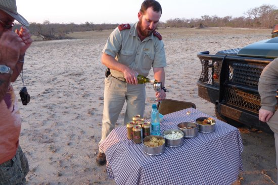 Mala Mala Private Game Reserve, Sudáfrica: They tell everything they hear everything and manage to see everything. Great experiences.