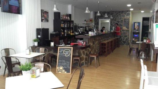 Álora, España: Interior, también tiene terraza