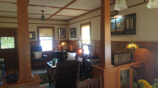 Urbanna, VA: Living Room