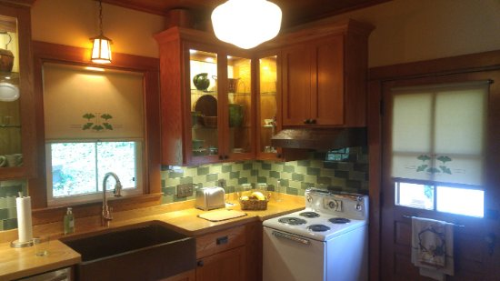 Urbanna, VA: Kitchen