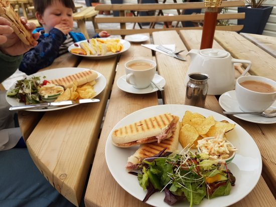 Yate, UK: Fabulous Paninis and the children's meal was almost too good to eat!