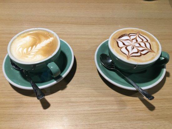 Antony, Frankrig: Ocean Tree Canadian Coffee and Store