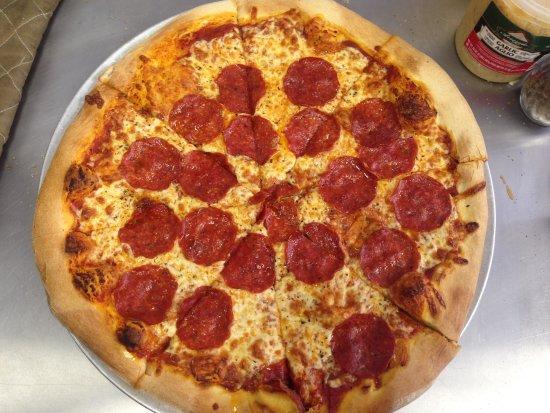Dadeville, AL: Lake Martin Pizza Co