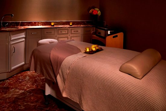 McLean, VA: Massage Room.