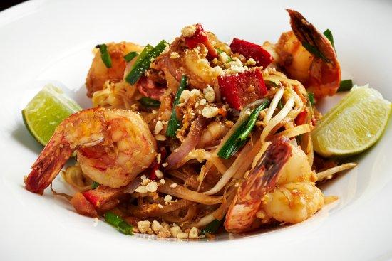 Tysons Corner, VA: Spicy Jumbo Shrimp Pad Thai